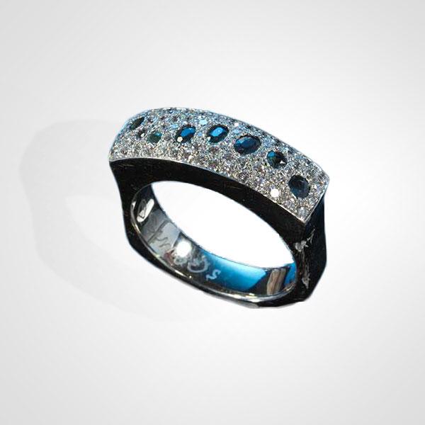 Excellent Online jewelry stores in California | Men's Wedding Bands AR12