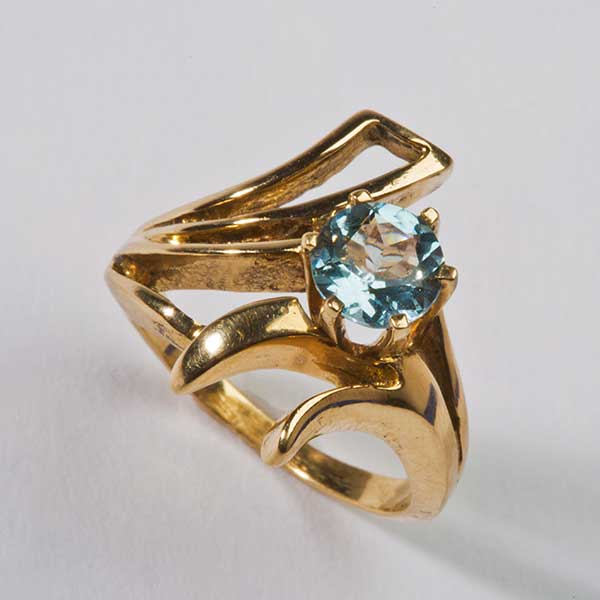 Gold Ring With Aquamarine Stone California Collectors