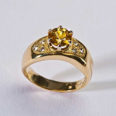 Tidal Uplift Yellow Gold Ring
